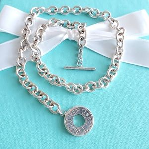 1837 circle toggle link necklace
